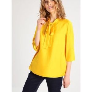Max & Co. Tops - NWT! Max &Co silk blouse
