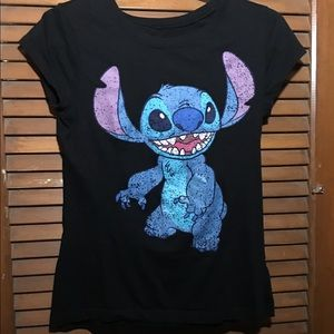 Hot Topic Tops - Stitch shirt! 🌺