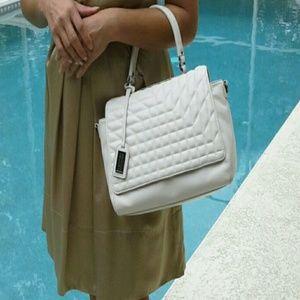 Badgley Mischka Handbags - 👜 Badgley Mischka purse satchel 💋