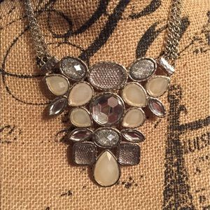Jewelry - 🎉Statement necklace