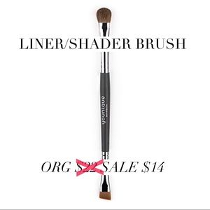 Younique Other - Younique Liner Shader Brush