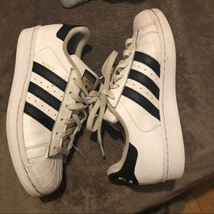 Shoes - Adidas superstar