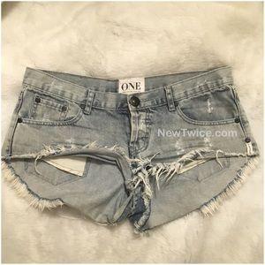One Teaspoon Pants - ONE Teaspoon distressed denim shorts