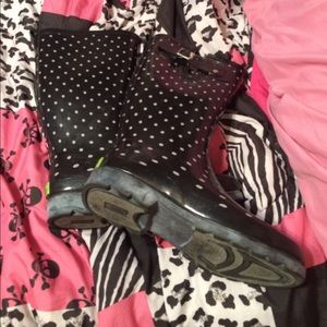 Western Chief Shoes - Western Chief Polka Dot Rubber Rain Boots Size 8