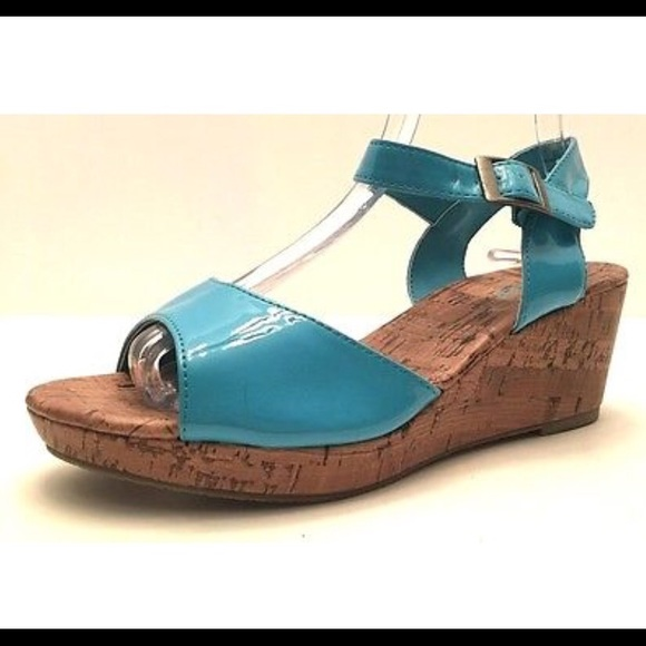 unlisted unlisted chat n run s wedge sandals from