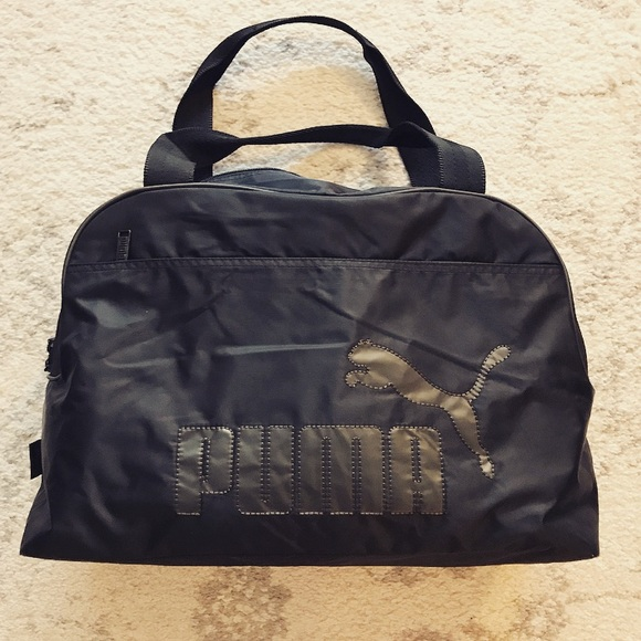 617f0d231664 ... Puma athletic tote gym bag. M 58fcae59a88e7d42a80034df