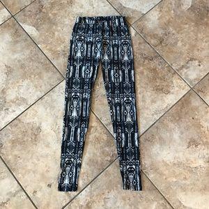 Forever 21 Pants - Super soft Aztec eye candy leggings