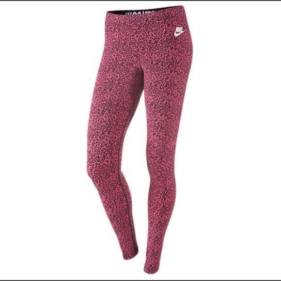 55922b2b7a7f Women's Nike leopard leggings. M_58fcb8052ba50a3e770050a6