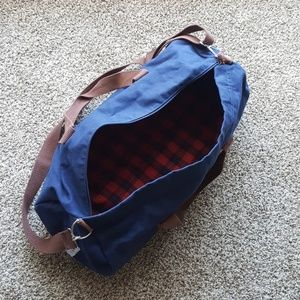blue claw Other - Men's overnight bag.