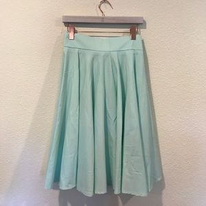 NWT Choies mint flounce skirt