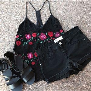 RSQ Pants - Cute Black Shorts, Fits like a 2 Stretch 🌺