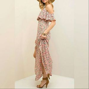 Threadzwear Dresses & Skirts - 🌼NEW🌼 Floral Cold Shoulder Maxi Slit Dress