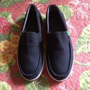 Sanuk Shoes - Sanuk slip on loafers
