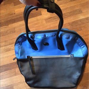 Lululemon large purse
