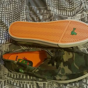 Sanuk Other - Mens size 10 new Sanuk canvas boat shoes