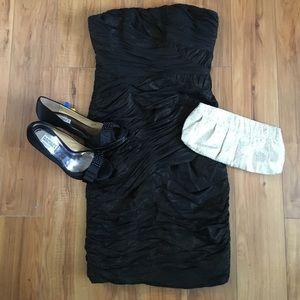 Badgley Mischka Dresses & Skirts - NWT Badgley Mischka Black & Gold Strapless Dress