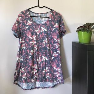 LuLaRoe Tops - New without tags Lularoe Classic Tee