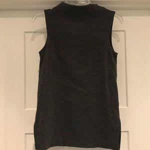 HM mock neck sleeveless top