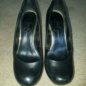 1 pair of Jessica Simpson shoes...size 6