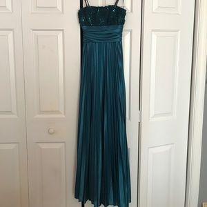 xtraordinary Dresses & Skirts - Prom dress
