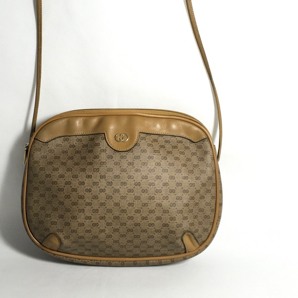 c0c592316a Gucci Handbags - Authentic vintage Gucci crossbody bag
