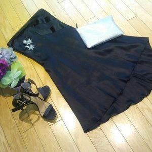 Banana Republic Dresses & Skirts - Banana Republic blck strapless dress. Sz 8