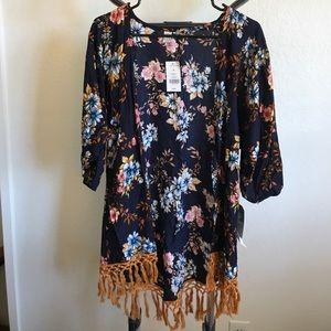 Element Tops - BRAND NEW Element Floral Pattern Kimono