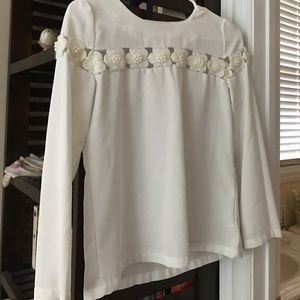 CHOISE Tops - White Blouse with flower appliqué