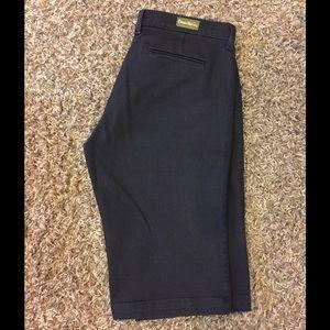 David Kahn Pants - David Kahn Black denim Bermuda shorts size 28 🖤