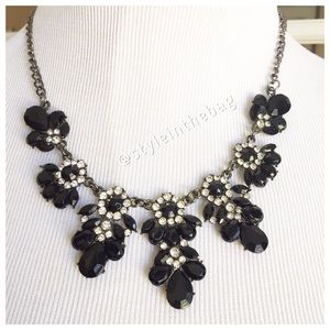 NWT Statement Necklace Black With Rhinestones