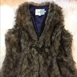 Boden Jackets & Blazers - Boden faux fur gilet/waistcoat women vest size US8