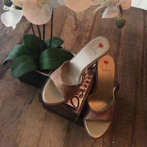 Luichiny Shoes - Gold-ish Wedges ⭐️⭐️⭐️