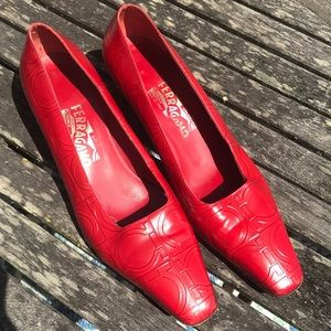Ferragamo Shoes - Ferragamo kitty heels