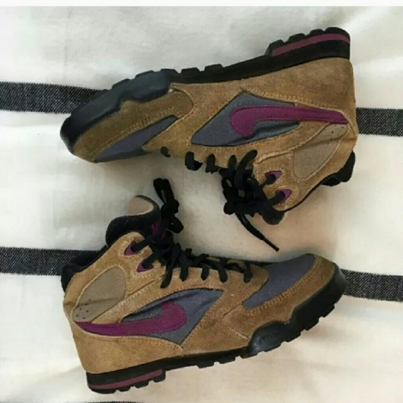 Vintage 9s Nike Caldera Hiking Boots