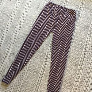 LuLaRoe Pants - OS LuLaRoe Patterned Leggings