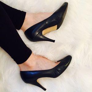 Newport News Shoes - Newport News Classic Blue Leather Pumps