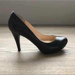 Marc Fisher Shoes - Marc Fisher Platform Pump Heels in size 7