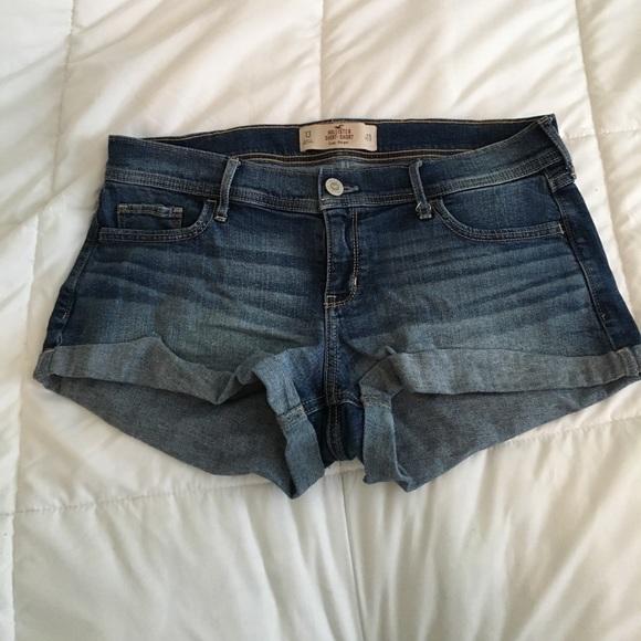 Hollister Pants - Jean shorts