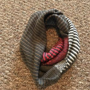 Pretty Persuasions Accessories - Infinity scarf