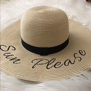 Bcbg Floppy sun hat with words
