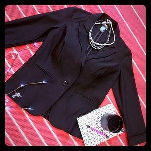 Soho Apparel Tops - ⚡️JUST IN⚡️NWOT black blazer