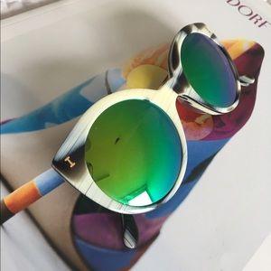 Illesteva Accessories - Illesteva Palm Beach sunglasses