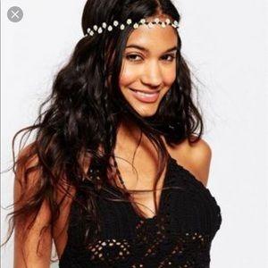 ASOS Accessories - NWOT ASOS beaded Daisy headband 🌻