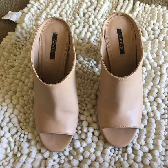 387274498c56 Forever 21 Shoes - 🔴SALE🔴 Forever 21 mule style