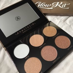 Anastasia Beverly Hills Other - NEW Anastasia Ultimate Glow Kit Highlight Palette