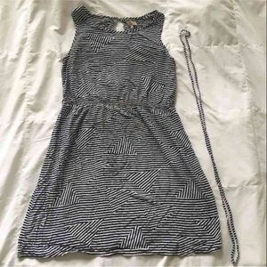 PIKOLINOS Dresses & Skirts - Striped geometric dress