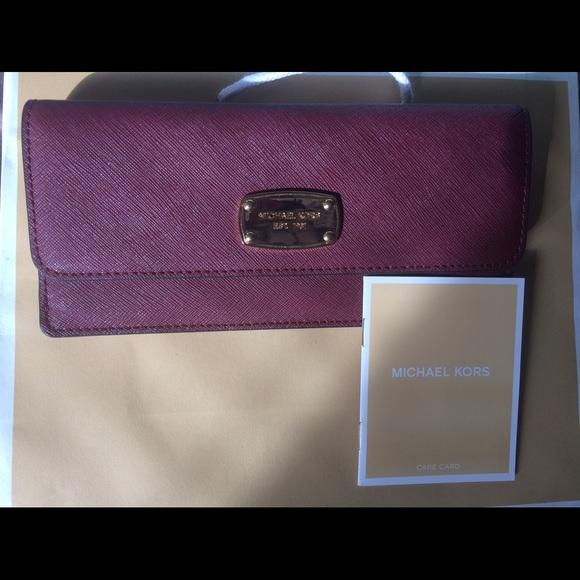 0a9aa3262ed2 Michael Kors Wine Jet Set Saffiano Leather Wallet