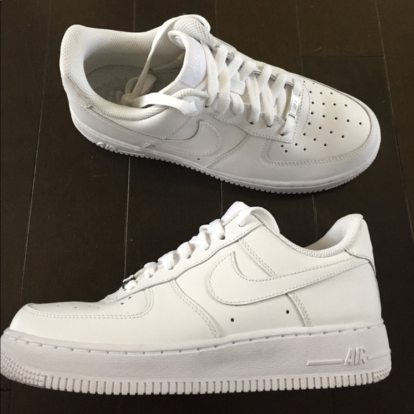 separation shoes 371b5 1a3aa Nike AF1 '07 LE Low white white Women's 8.5