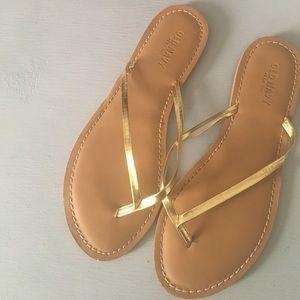 Old Navy Gold Flip Flop Sandals Size 9 Summer