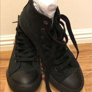 Levi's Shoes - 🆕Levis Women's Sneaker- New